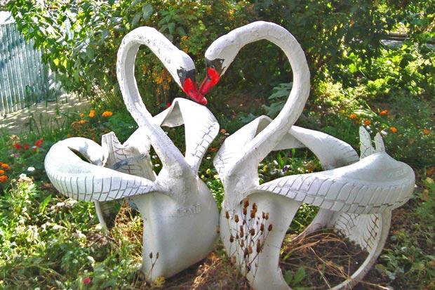 Лебеди из резиновых покрышек своими руками 13