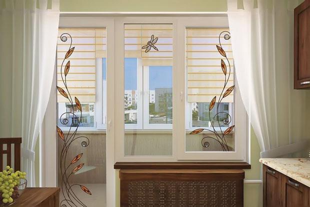 Дизайн окна с балконной дверью